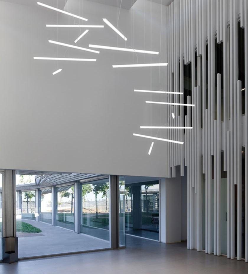 Встраиваемые светильники с линейными люминесцентными лампами